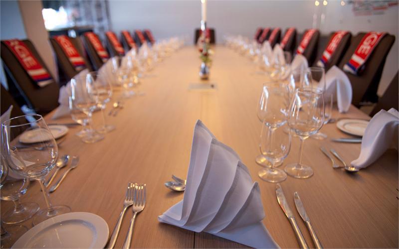 Hvorfor ikke kombinere møtet med en god lunsj eller middag?